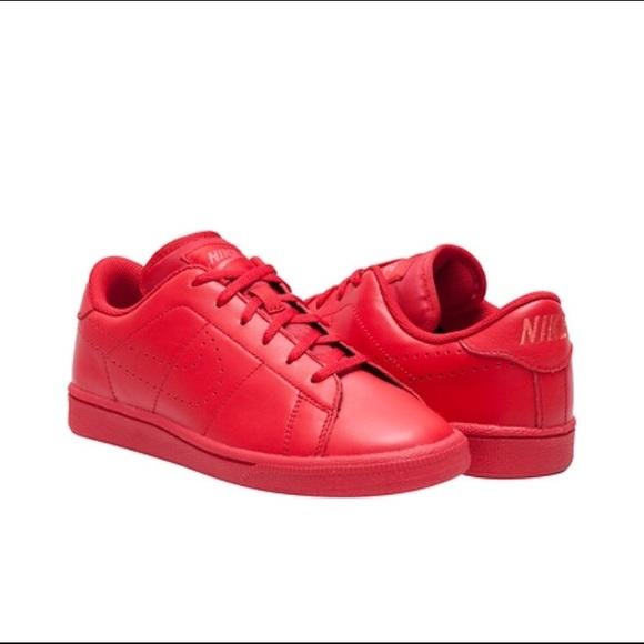 nike a tennis classic poshmark premio scarpa